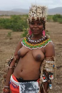 Nackt national geographic tribal frauen