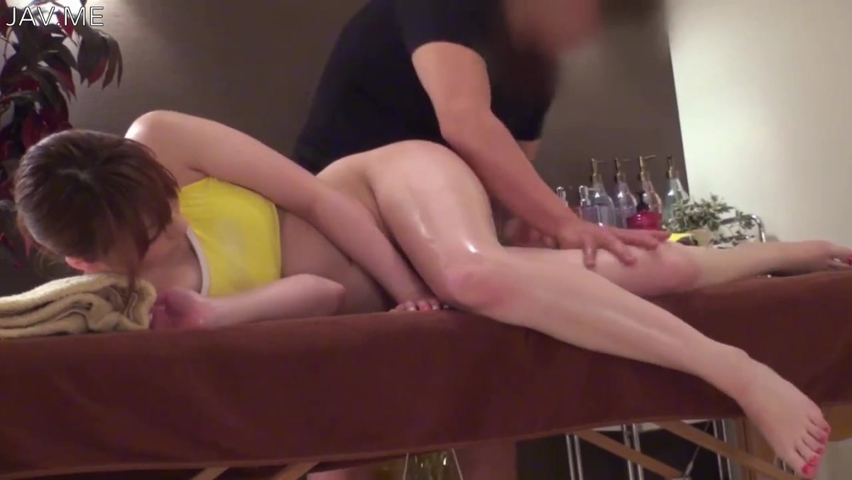 Auf fucked massage tabelle getting girl